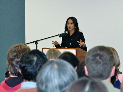 Amy Chua, writer of 'Tiger Mom,' speaks and gives signing at St. Louis County Library