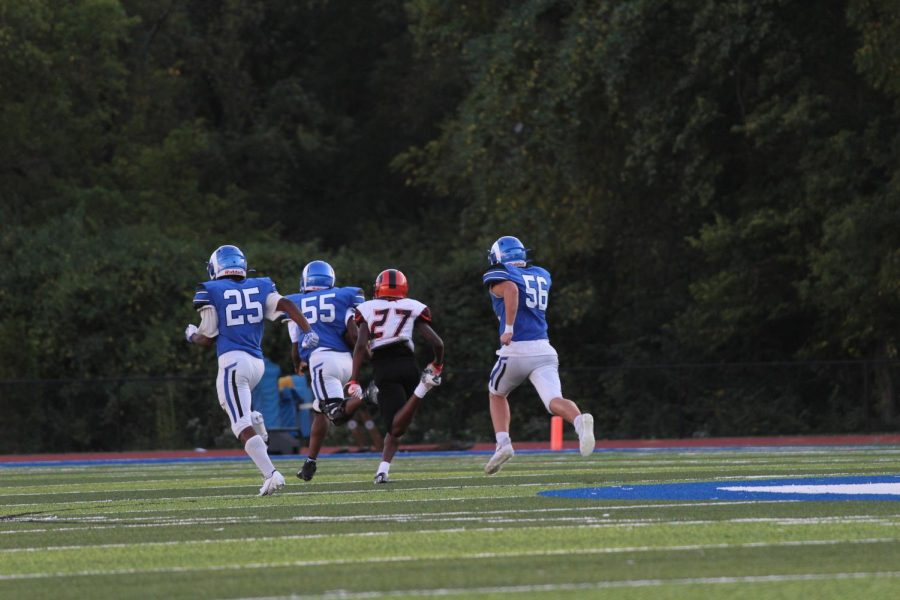 Going into the second half Ladue is losing 6-18 but #55 starts to close the gap by scoring a touchdown.